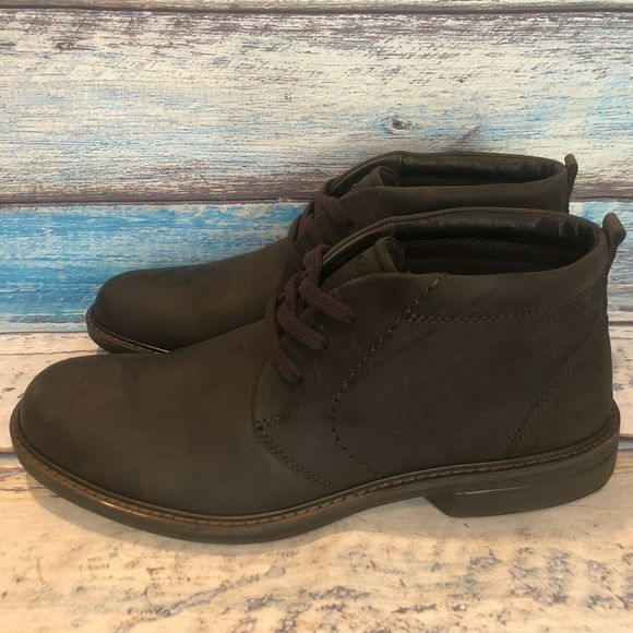 Ecco Shoes   Mens Nubuck Turn Chukka